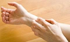 почему при расчесывании кожа вздувается